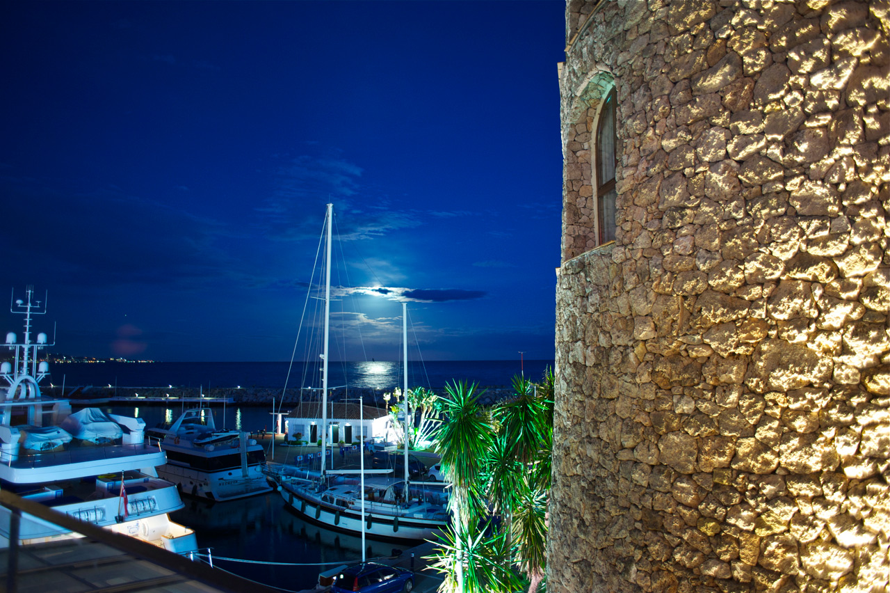 Puerto Banus Marina, nightlife at Pangea