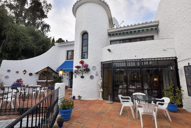 La Luna Restaurant, El Coto