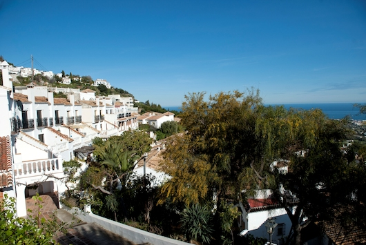 Casa Bastante Townhouse boasting fantastic panoramic sea views across Mijas