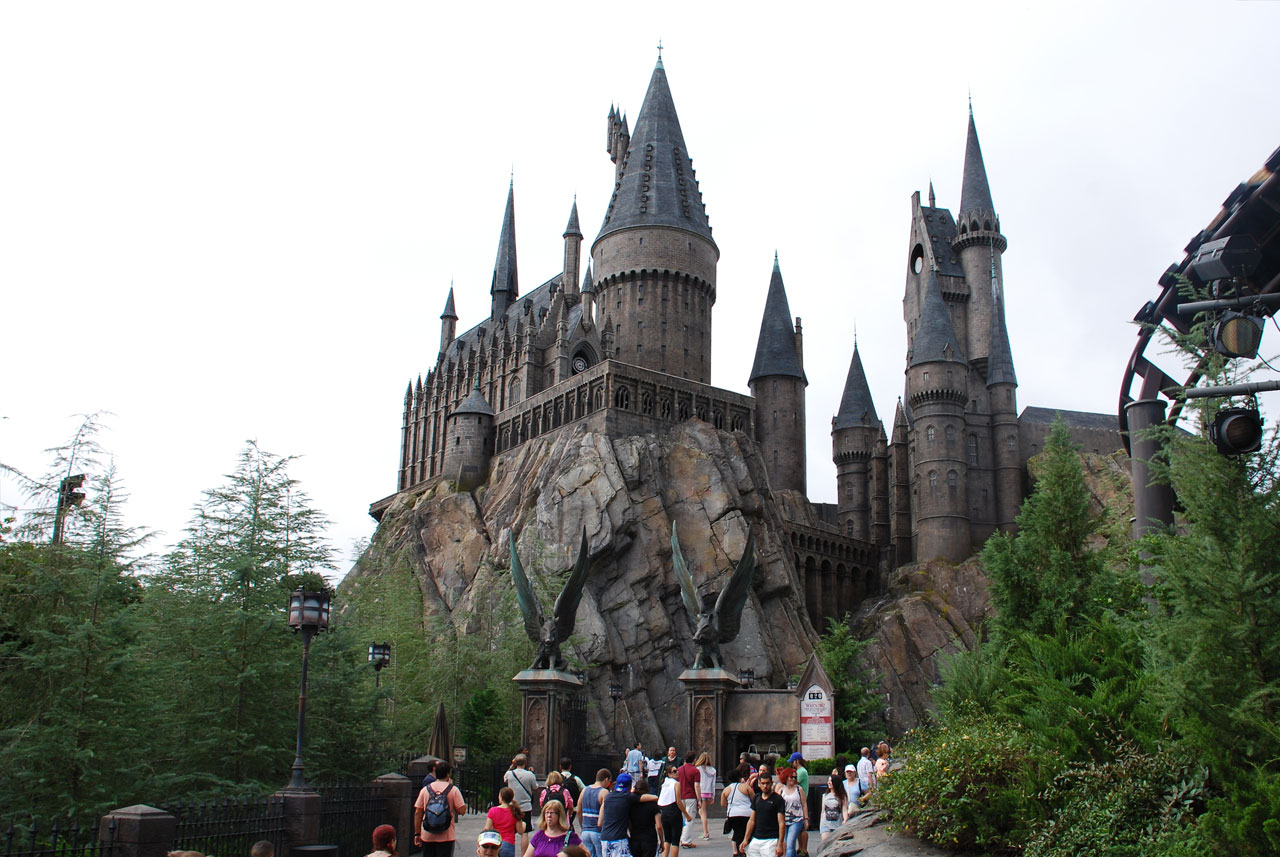 Harry Potter and the Forbidden Journey, showing the tower gates and Hogwarts castle