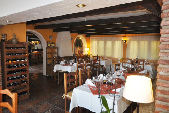 A warm and friendly atmosphere inside La Luna Restaurant