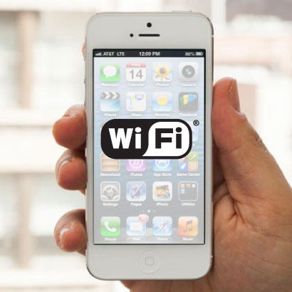 Holidaymakers choose villas with WiFi Internet, iPhone 5 with WiFi symbol