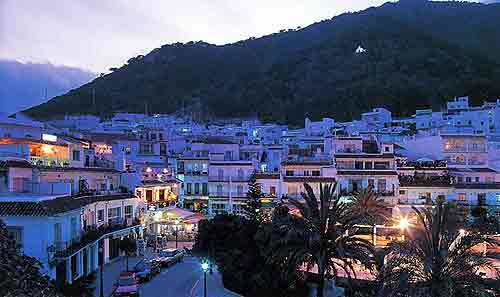 mijas-at-night