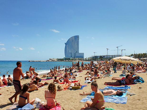 Barceloneta Beach in Barcelona - photos courtesy of www.pommietravels.com
