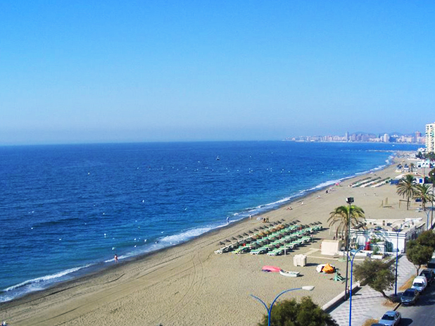 Carvajal Beach is positioned between Fuengirola and Benalmadena