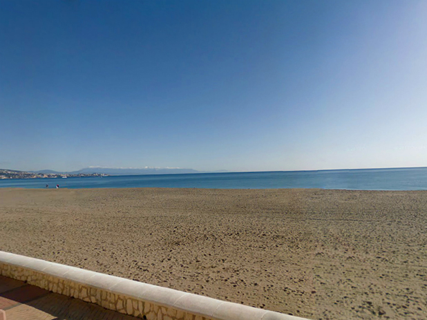 Ejido-Castillo Beach in Fuengirola opposite the famous Sohail Castle
