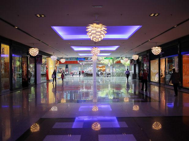 La Canada Shopping Centre in Marbella