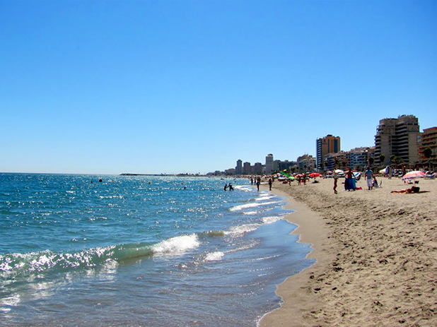 Las Gaviotas Beach, Fuengirola most central beach