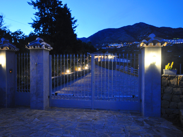 Don't become a victim of crime on holiday. Keep your villa doors and gates locked