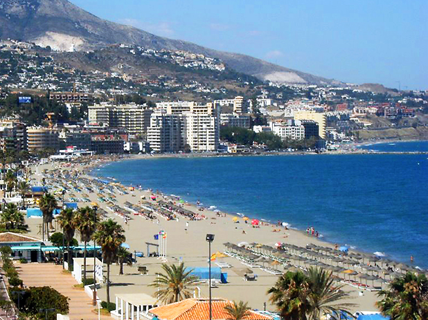 Los Boliches in Fuengirola is a 10 minute walk from the station