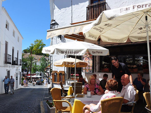 Mijas bar and cobbled street