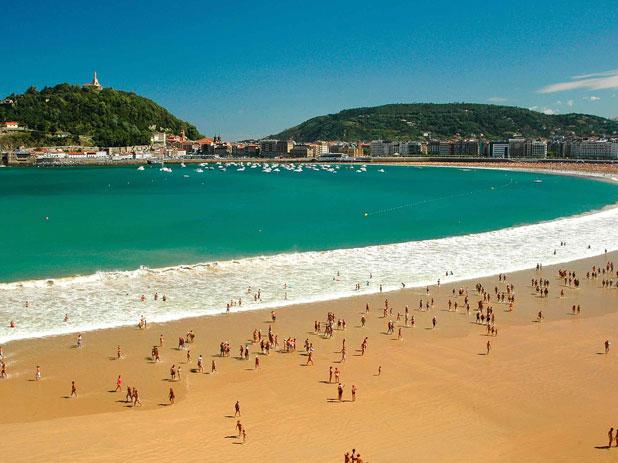 Playa La Concha Beach in San Sebastian, northern Spain - photo courtesy of stabarez.com