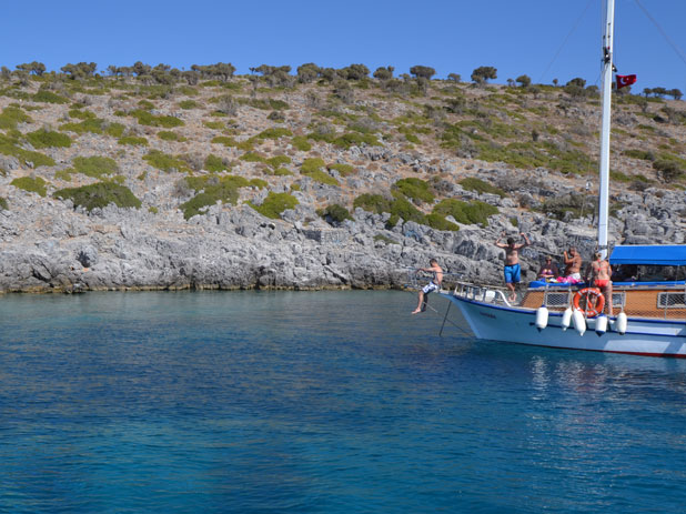 Boat hire from around 400TL (depending on the size of the boat) will include drinks and a cooked meal