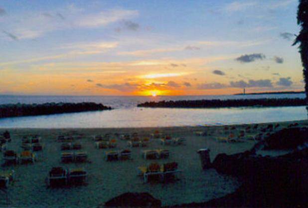 Playa Blanca Beach showing a beautiful orange sunset