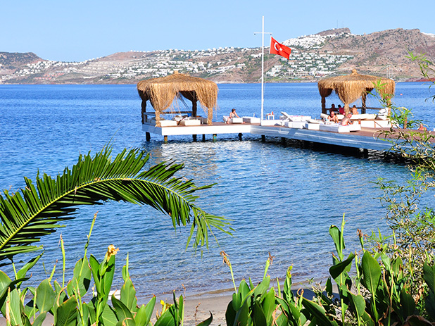 One of the beachside platforms available in Yalikavak to take full advantage of the warm Aegean Sea
