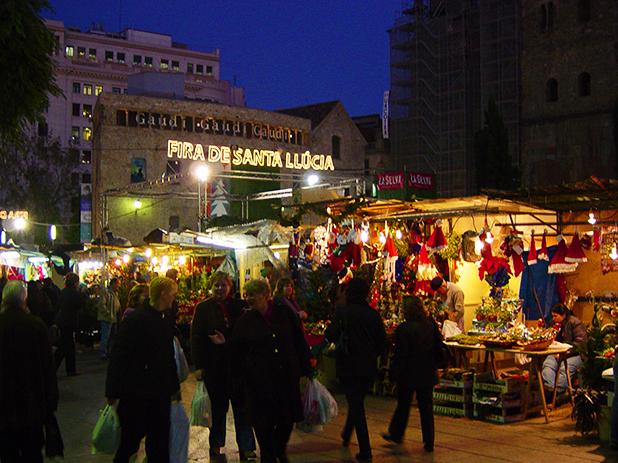 Fira de Santa Lucia Christmas Market - photo courtesy of www.tobynewcomb.com