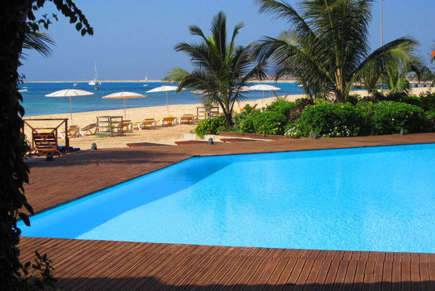 Beach lovers can holiday in this wonderful 2 bed Cape Verde Apartment which leads onto the beach!