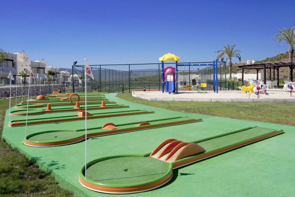 Mini golf and kids play area are great for keeping the kids amused