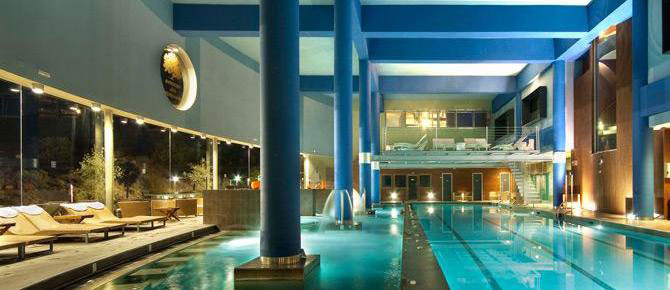 Spa pools and loungers in the Nagomi Spa in central Fuengirola