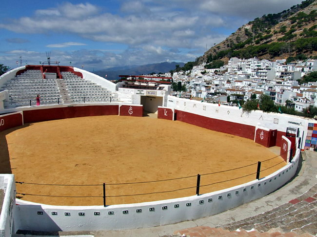 The Mijas Plaza de Toros bullring dates back to 1900, photo © Anne Sewell