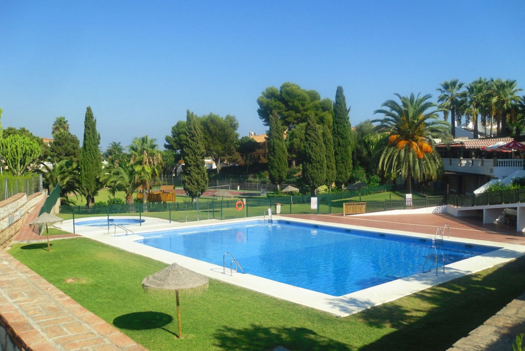 Villa SP041 with access to the urbanisations communal pool, tennis courts, play area, bar and restaurant