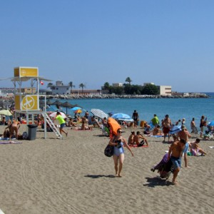 This Year Take a 7 Kilometre Stroll at the Beach in Fuengirola