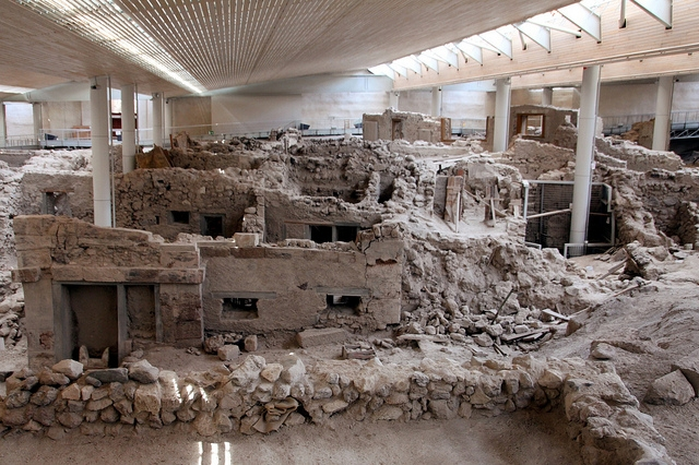 Akrotiri, the archeological site dates back to the 5th millennium BC