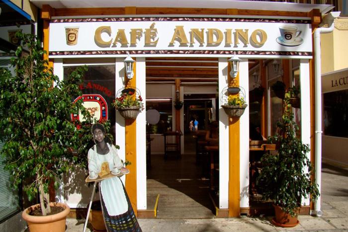 Café Andino in Fuengirola, showing the shop entrance