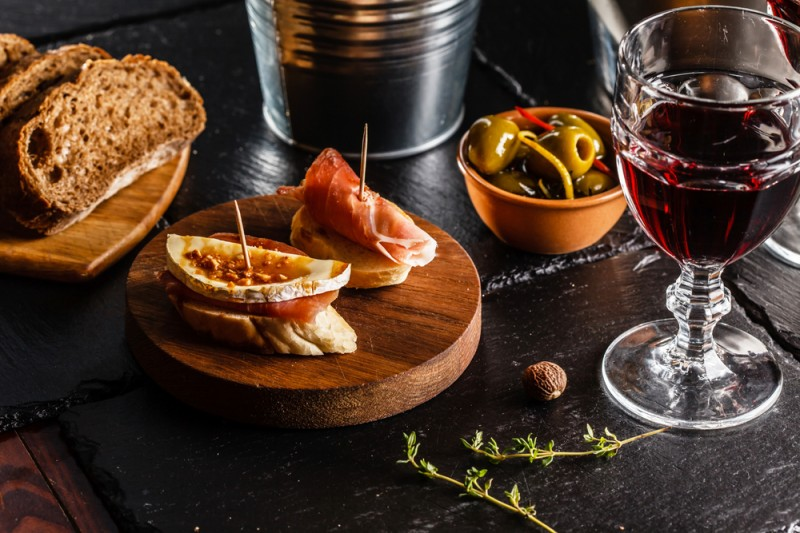 Wine and tapas